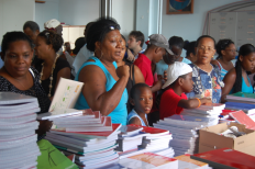 Action humanitaire (distributions scolaires en Martinique)