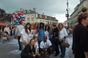 Carnaval Solidaire (Melun) avec l'équipe Zégué Zen, membres et bénévoles